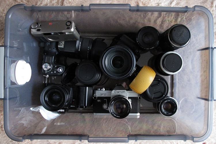THE IMPORTANCE OF USING A DRY BOX FOR YOUR PHOTOGRAPHY GEAR